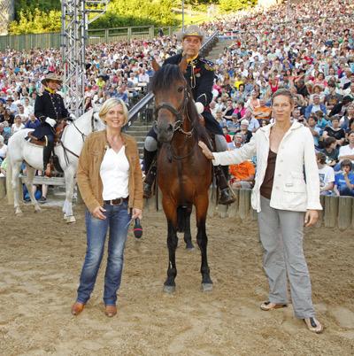 100.000ste Besucherin bei den Karl-May Spiele nimmt lieber Geld statt Pferd