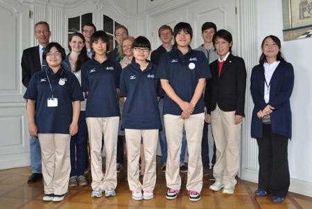 Japanische Sportler im Kreishaus Schleswig-Flensburg zu Gast