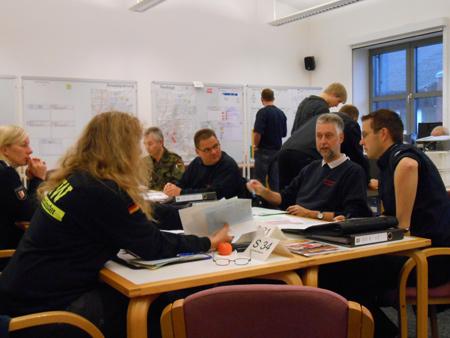 Katastrophenabwehrstab der Stadt Neumünster übte Evakuierung wegen Bombensprengung