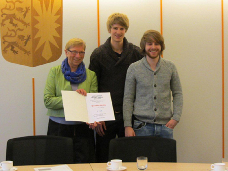 John Lennon Talent Award: Spoorendonk übergibt Sonderpreis Farbe Lila