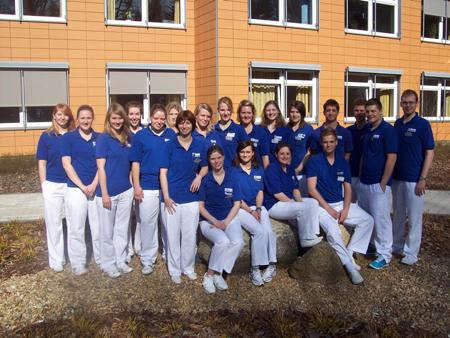 Physiotherapeuten erhalten Abschluss in Itzehoe