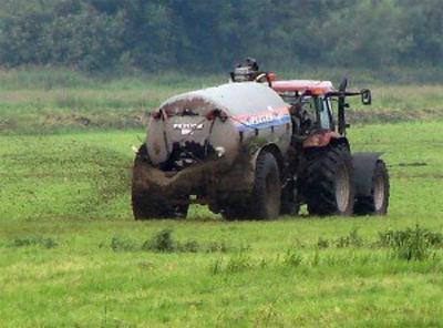 Tipps für Landwirte: Regeln zur Ausbringung von Düngemitteln und Wirtschaftsdünger bei Frost