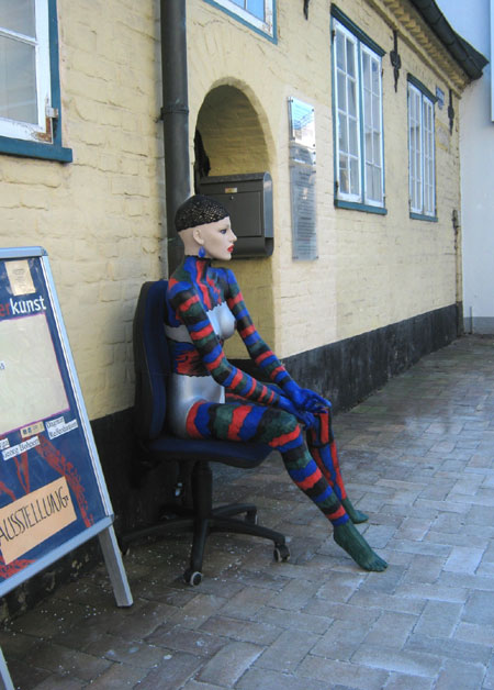 Schleswig – Museum für Outsiderkunst: Verkauf und Versteigerung von bemalten Objekten