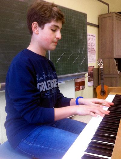 Syrischer Flüchtling und Schüler der Dannewerkschule Najeeb Ward erhält Einladung zur JuniorAkademie