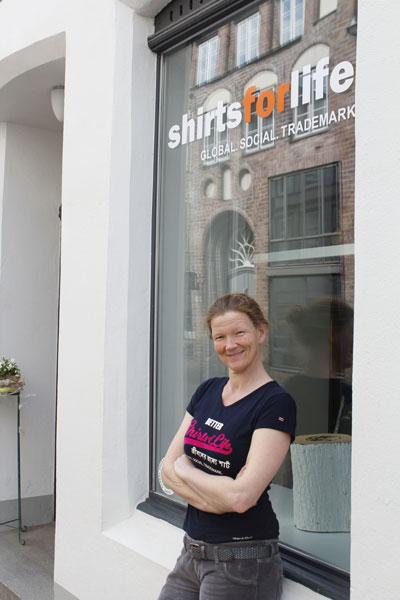 Shoppen in Lübeck – shirts for life bereichert Lübecker Innenstadt