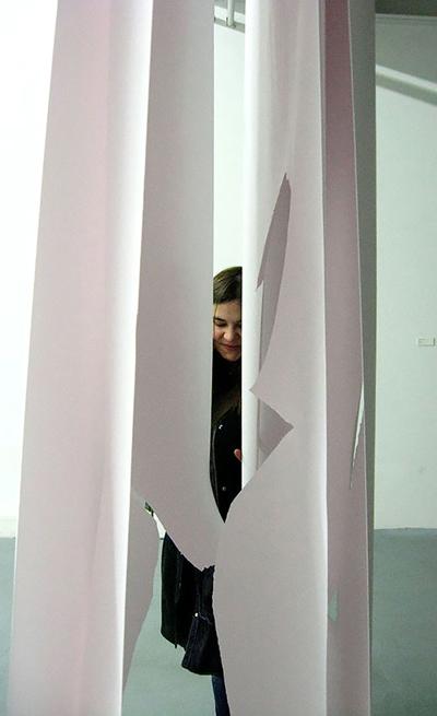 Ausstellung in Lübeck: Janine Gerber- Die Malerin des Ungefähren