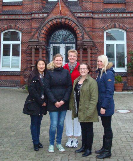 Auszubildene in Dänemark und in Steinburg zu Besuch: Altenpflege im europäischen Vergleich