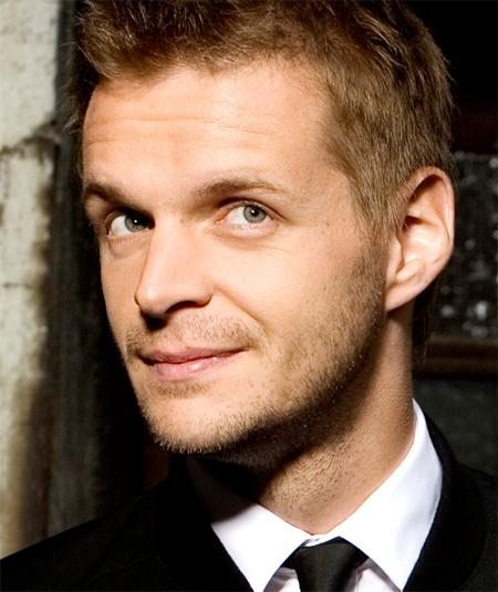 Top-Kabarettist Florian Schröder live in der Schleswiger Heimat!
