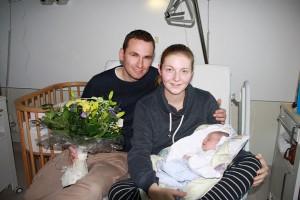 Foto: Die Eltern Britt und Dennis Gorski mit ihrem Sohn Thorin - Foto SKO