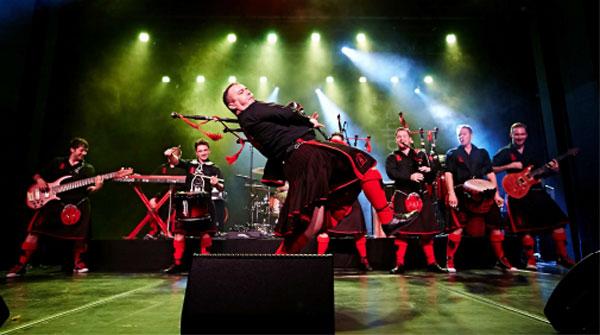 Red Hot Chilli Pipers live beim europäischen folklore festival