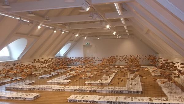 Blumig-kaffige Sommerausstellung im Ostholstein-Museum