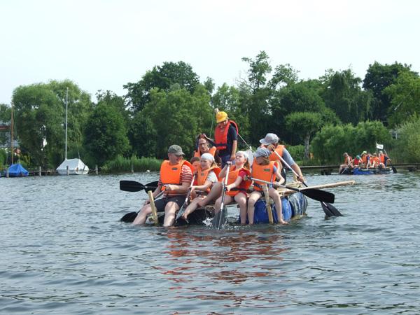 Floßbauwochenende für Väter und Kinder in Bosau