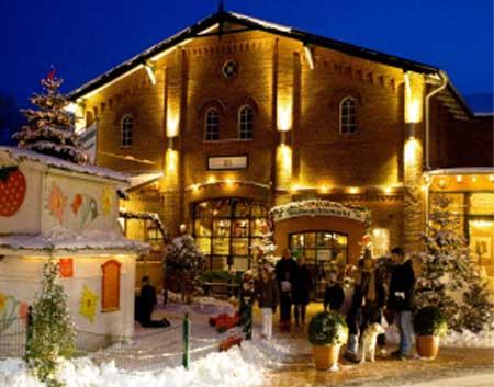 Traditioneller Weihnachtsmarkt auf dem Erdbeerhof Glantz