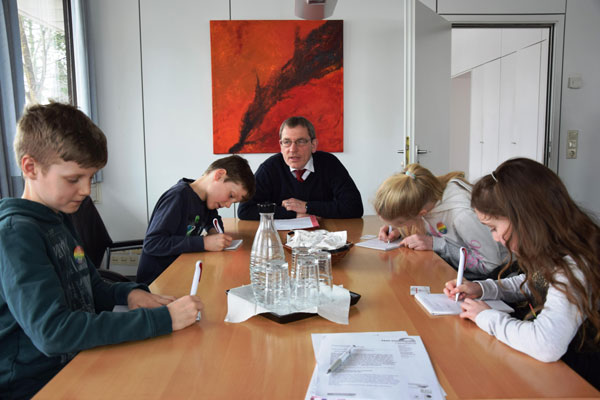 Heide: Fröhlicher Ausnahmezustand im Kreishaus