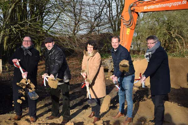 Erster Spatenstich für den Neubau des Hauptgebäudes des BBZ Dithmarschen in Heide