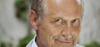 Poesie-Champ Konstantin Wecker live auf der Waldbühne Albersdorf