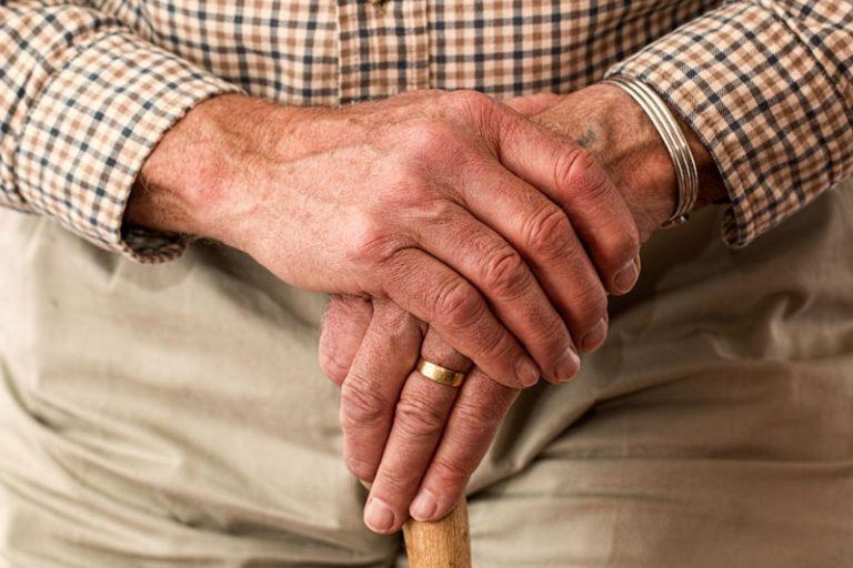 """Thema Pflege: """"Wenn die eigenen Eltern älter werden… – Herausforderungen und Wege im Sozialrecht"""""""
