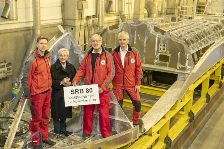 Seenotretter legen in Rostock neues Seenotrettungsboot auf Kiel