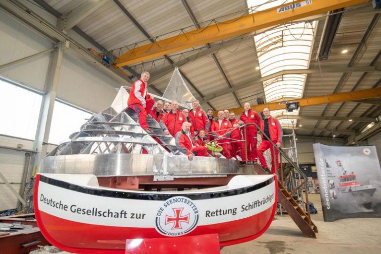 Neuer Seenotrettungskreuzer für DGzRS-Station in Mecklenburg-Vorpommern auf Kiel gelegt