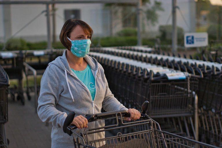 Verschärfte Regeln in SH: U.a. Face- Shields nur mit zusätzl. Mund-Nasen-Schutz erlaubt, auch Beschäftigte müssen Maske tragen