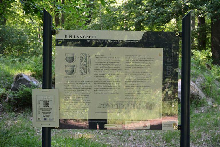 Grundsteinlegung für das neue Steinzeithaus im Steinzeitpark Dithmarschen